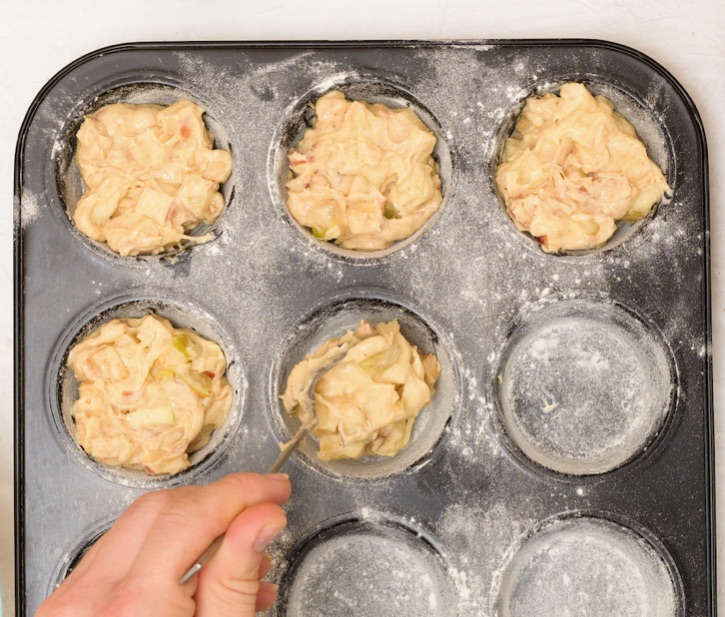 How to make apple muffins with cake mix and apple sauce!